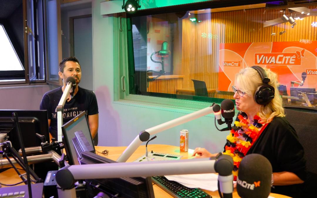 Julien Peron avec Sylvie Honoré chez radio RTBF Belgique pour le film c'est quoi le bonheur pour vous